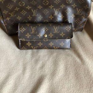 Vintage Louis Vuitton wallet 💯authentic